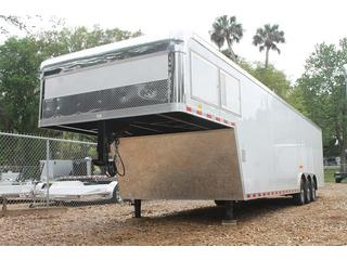 Car Hauler with Side Ramp Door
