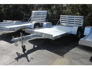 Utility Trailer with Bi-Fold Tailgate