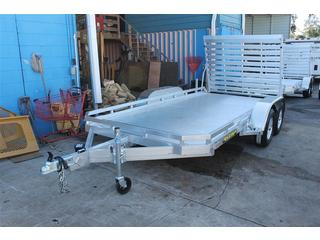 Utility Trailer with Full Width Tailgate