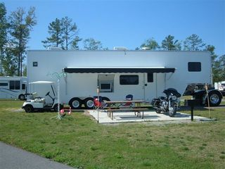 2006 ATC Pre-owned Enclosed 8.5x40 Quest Series w/Living Quarters Trailer