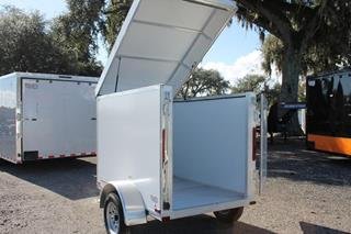 Lite Trailer with Pop Up Roof