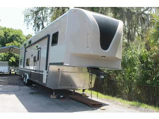 38 ft Toy Hauler with Living Quarters