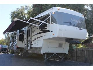 Camper Trailer with 3 Slide Outs
